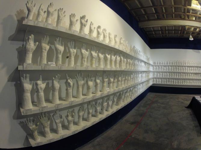 Htein Lin's A Show of Hands | © Htein Lin