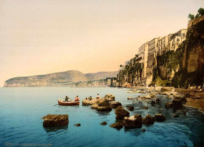 Sorrento, Naples | ©...trialsanderrors/WikiCommons