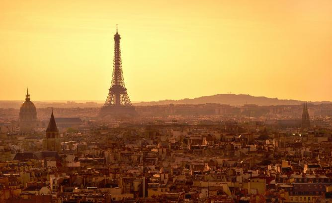 Sunset at the Eiffel Tower | ©Moyan Brenn/WikiCommons