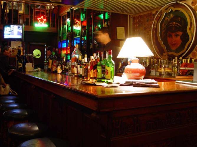 Bárbaro's bar