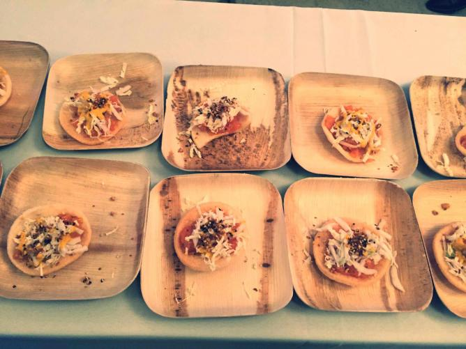 Raw Salmon Sliders from Vernick at Feastival | © Courtesy of Nina Starner