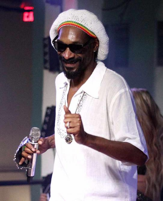 Snoop Dogg Takes the Stage at The Hoxton in Toronto, Ontario on August 2012 | © Thecomeupshow/WikiCommons
