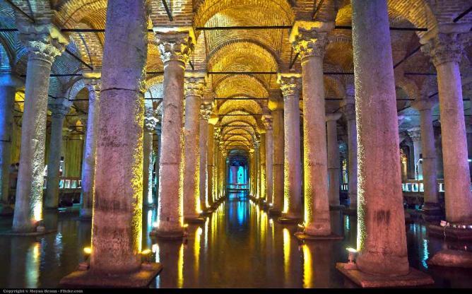 Istanul, basilica cistern   © Moyan Brenn/Flickr