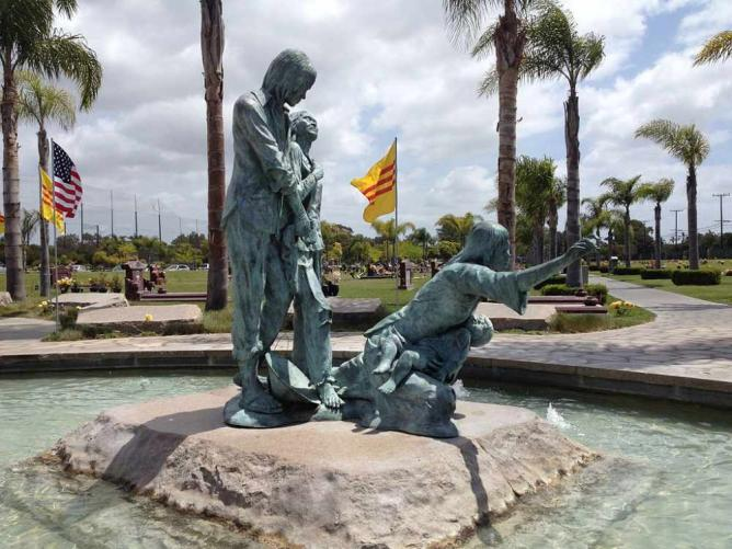 Vietnamese Boat People Memorial in Westminster, CA | © Codobai/WikiCommons