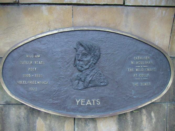Yeats Plaque in St Patrick's Park, Dublin |© Emkaer/Wikicommons