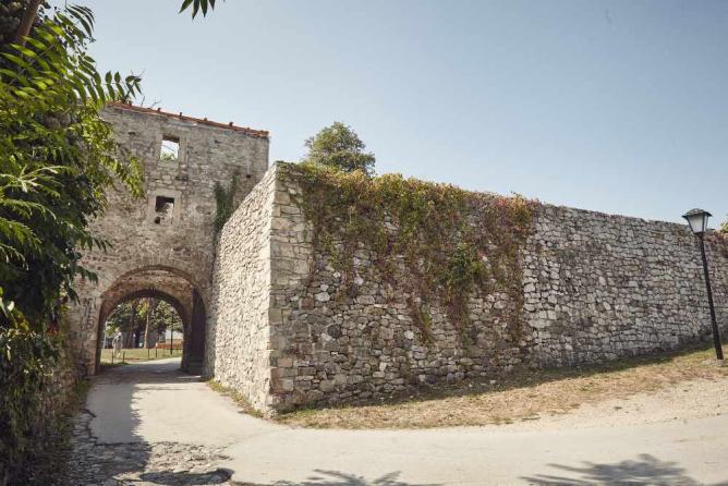 Banja Luka Fortress | Ⓒ R3li3nt/Flickr