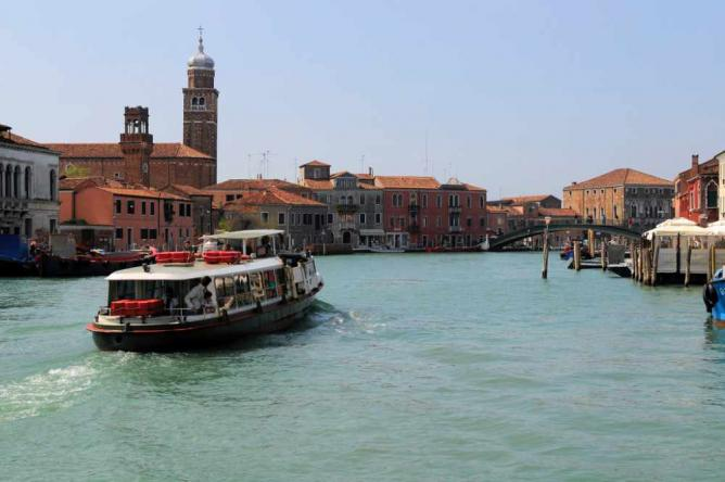 Canal Grande in Murano   © Son of Groucho/Flickr