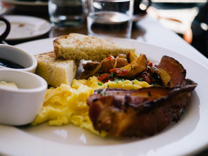 Breakfast with homefries