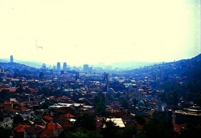 View over Sarajevo Old Town | Ⓒ Rueben Thompson/Flickr