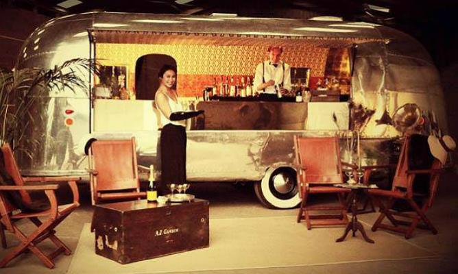 Deco Noir will be creating a 1920s bar and lounge at the Festival | © Radio Times Festival