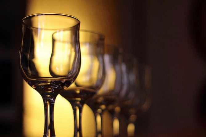 Wine glasses   © Rego Korosi/Flickr