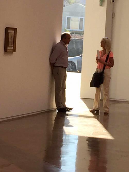 Kohn speaking to a guest   Courtesy Jarone Ashkenazi