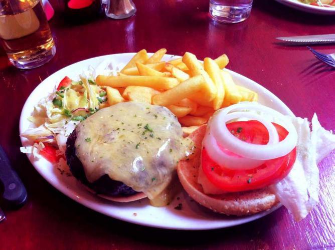 Blue mountain burger at Buffalo Grill