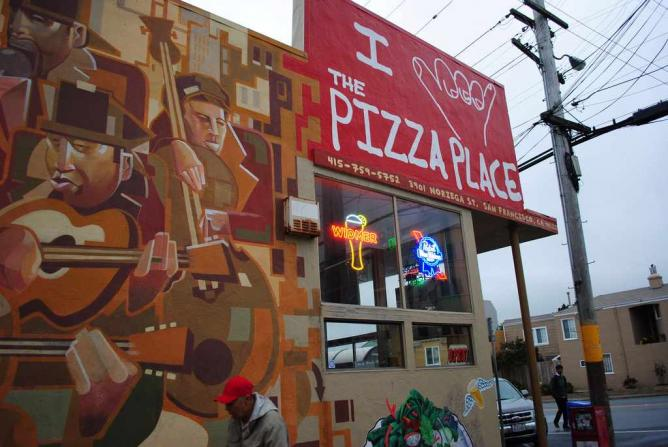 The Sign Outside the Pizzeria | © Rachelle Phillips/Flickr