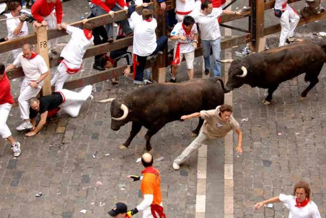 The Running of the Bulls | © Mike Brice/Flickr