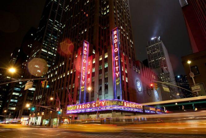 Radio City   © Ed Shipul/Flickr