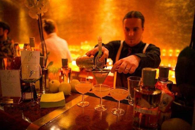 the 10 best bars in stuttgart germany. Black Bedroom Furniture Sets. Home Design Ideas