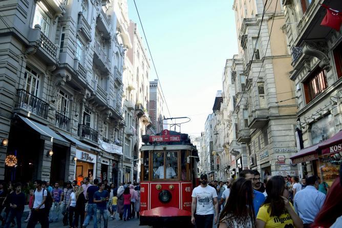Istiklal Street | © Ibrahim Arab/Flickr