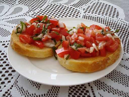 Tomato Bruschetta | © Michael_Spencer/WikiCommons