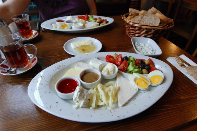Turkish breakfast | © kslee/Flickr