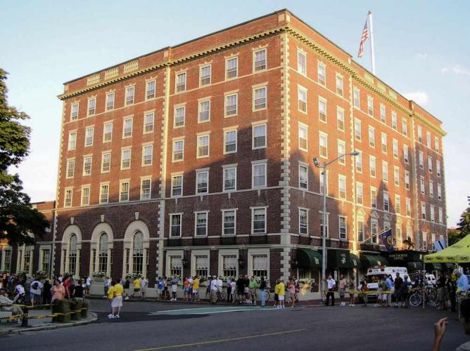 Exterior Hawthorne Hotel