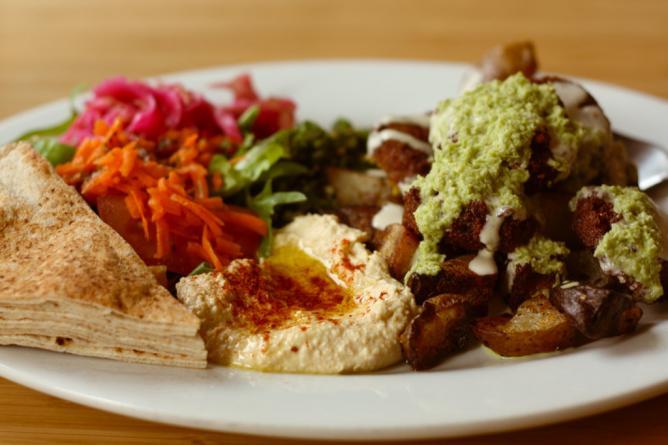 Vegan Falafel Plate | © Jennifer/Flickr