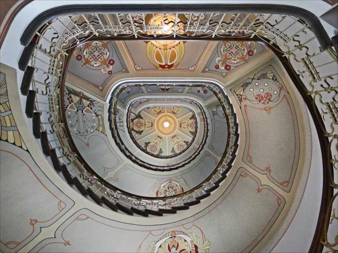 An Art Nouveau staircase | © Jean-Pierre Dalbéra/Flickr