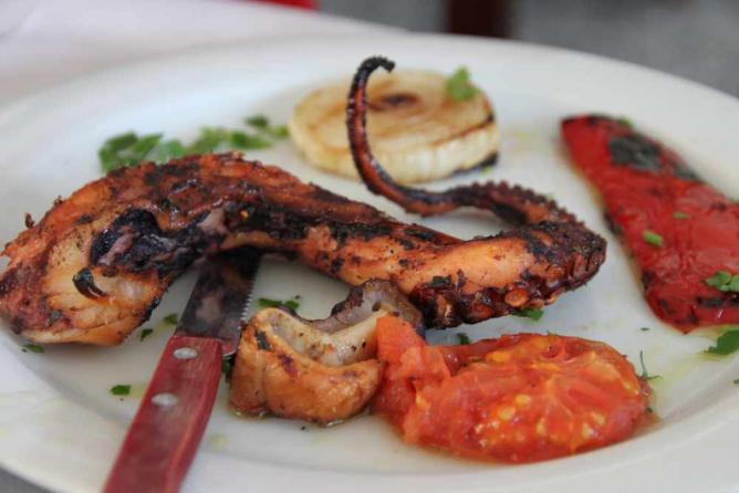 Grilled octopus ©Klearchos Kapoutsis/Flickr