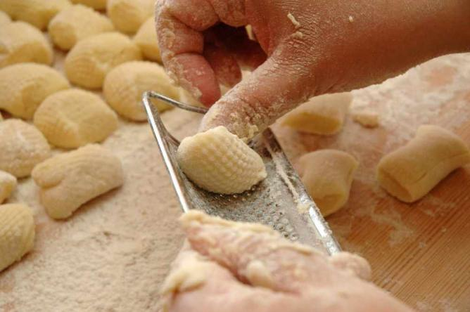 Making gnocchi © Paolo Valdemarin/Flickr