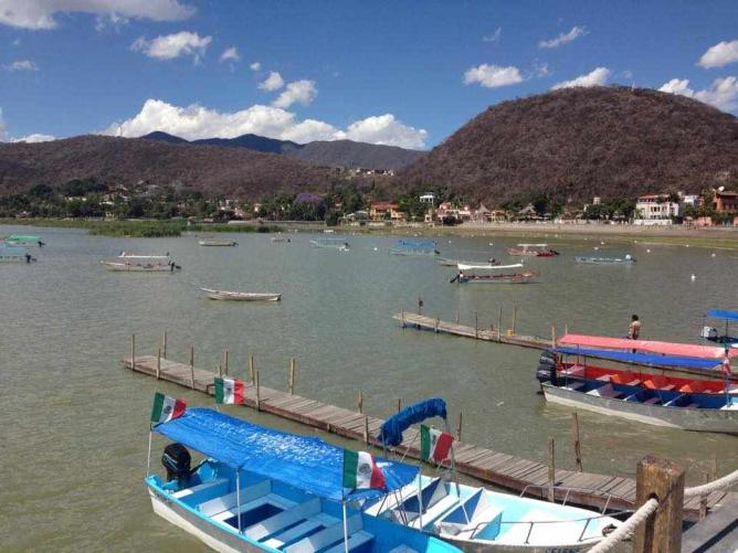 Lago Chapala | courtesy of Lauren Cocking