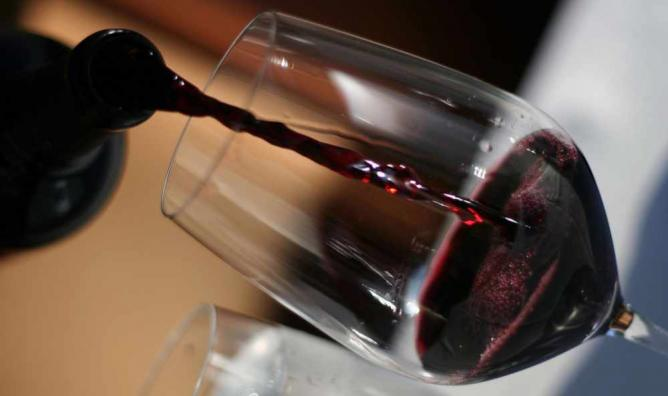 Red Wine © DonireeWalker/Flickr