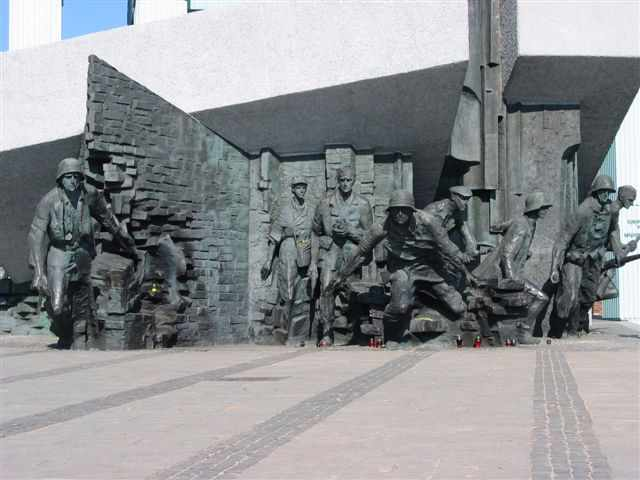 The Warsaw Uprising Monument | © Dhirad/WikiCommons