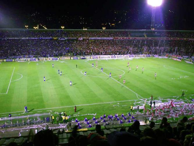 A football match at El Campín  ©Kl45/Wikimedia