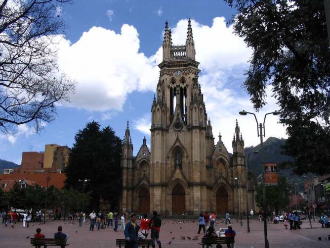 Iglesia de Nuestra Señora de Lourdes  ©Tequendamia/Wikimedia