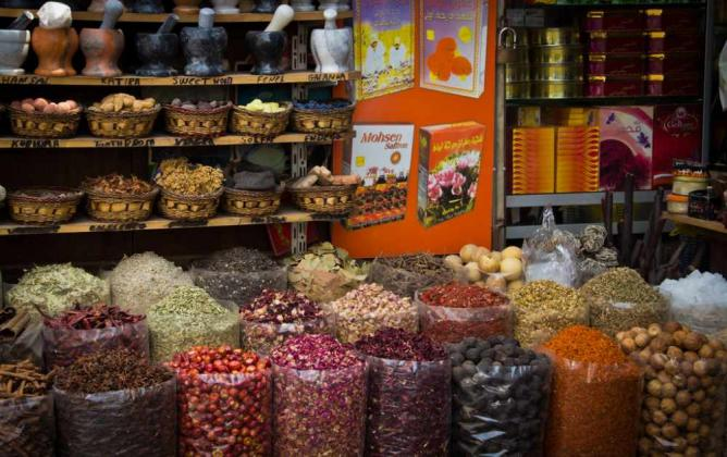 Traditional Souks - The Spice Market | ©  VirtualWayfarer/Flickr
