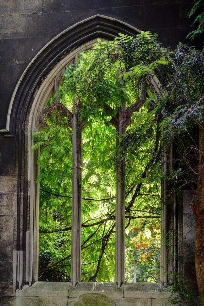 St Dunstan in the East church garden | © George Rex/Flickr
