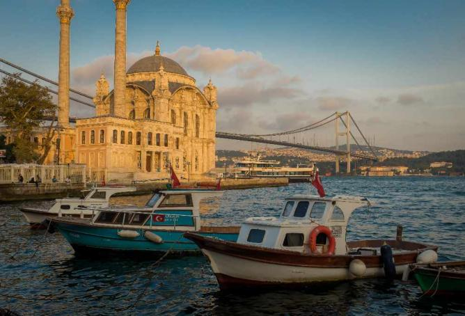 Sunset at Ortaköy Mosque| © 2008+/Flickr