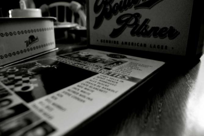 Jim Jarmusch's Coffee & Ciggarettes   © Maureen Didde/Flickr