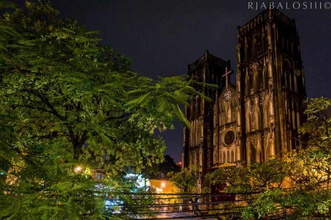 St. Joseph Cathedral, Hanoi | © rjabalosIII/Flickr