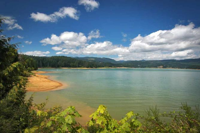 Henry Hagg Lake, Washington County | Photo by Paul Loofburrow/Courtesy Washington County Visitors Association