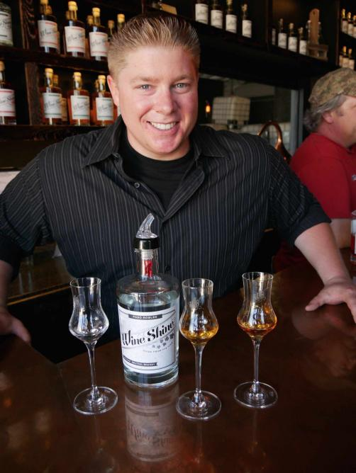 Wine Shine Inc. co-owner Patrick Brooks is a riot as he chats up customers | © Paul & Teresa Lowe
