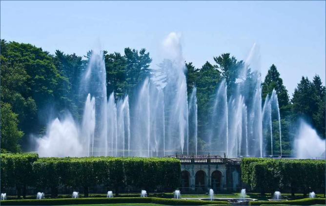 Fountains at Longwood Gardens, Chester County | © Ron Cogswell/Flickr