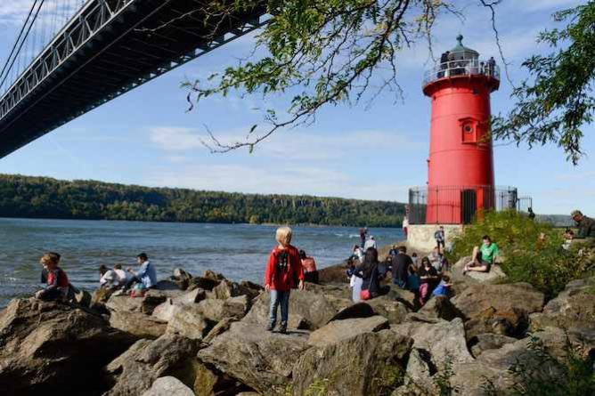 Little Red Lighthouse | © Daniel Avila/NYC Parks