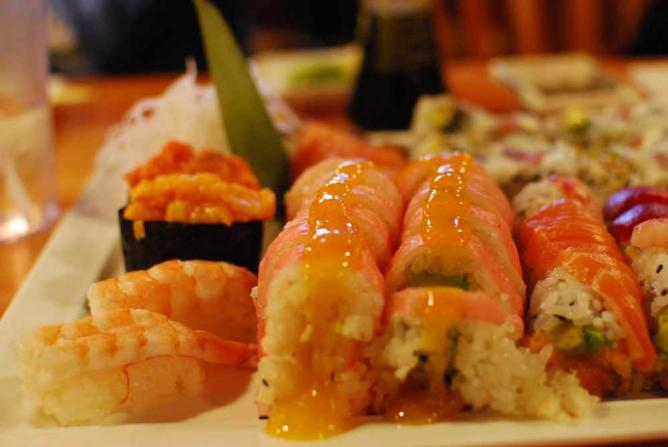 Sushi | © slgckgc/Flickr