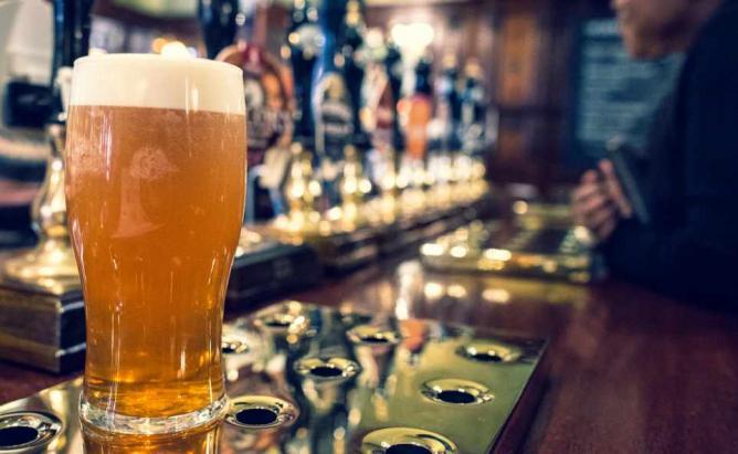 Scottish Pub Beer   © CMBellman/Flickr