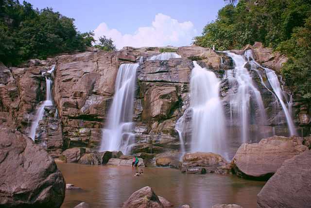 Jonha Falls | © Binayrungta/WikiCommons