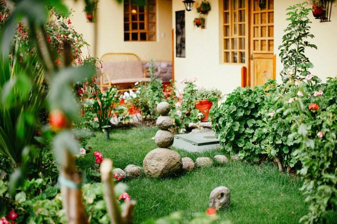 The garden at Hostal Amaru