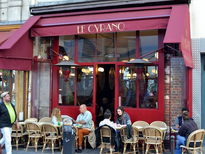 paris by night the best alternative bars at place de clichy. Black Bedroom Furniture Sets. Home Design Ideas