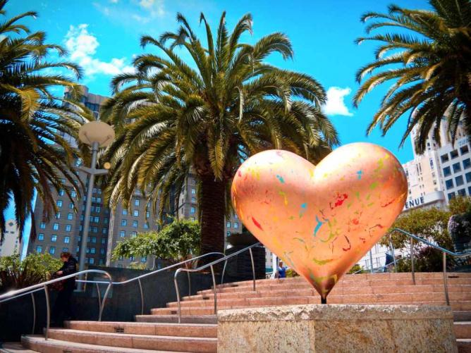 Heart sculptures in San Francisco | © Samantha Marx/Flickr