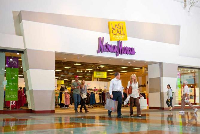 Last Call by Neiman Marcus at Grapevine Mills | © Smarty9108/WikiCommons